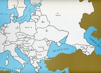 Cardboard Map of Europe/Capitals/English GZ